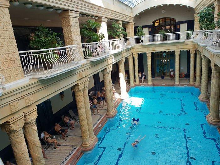 Купальня Геллерт, внутренний бассейн