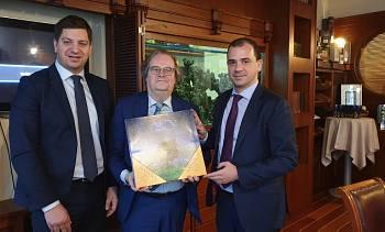 Посол Бельгии  Хуго Брауверс в Дипломатическом экономическом клубе, Томас Кастрел и Жан Филипп Шклар