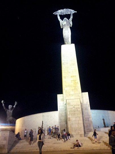 Будапешт, статуя свободы на горе Геллерт
