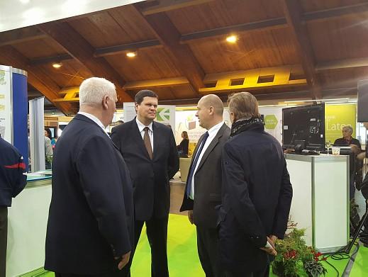 Каспар Герхард, Виестур Тиле, Мирослав Косек на выставке Среда и Энергия 2015 в Риге