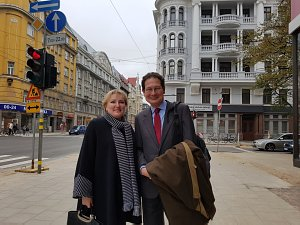 Aleksandra Čizmadia un Fernando Vidal-Folch de Balanzo