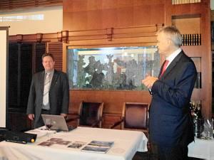 Франк Ван Эйнде и Корнелис Гроеневелд 11 апреля 2013 г. Встреча в Дипломатическом Клубе