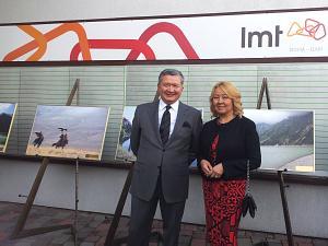 Посол Казахстана в Латвии и Литве Бауржан Мухамеджанов с супругой Зарема