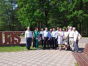 Члены Дипломатического экономического клуба на заводе Latvijas Keramika