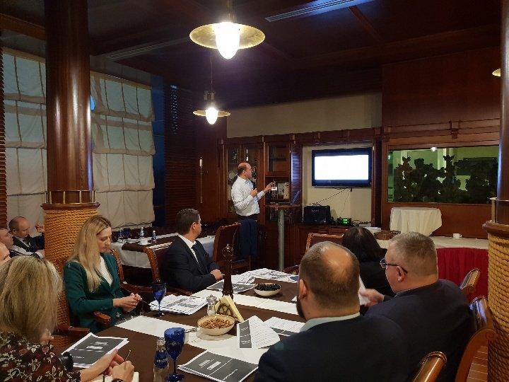 Посол Молдовы в Латвии Евгений Ревенко на встрече в Дипломатическом клубе