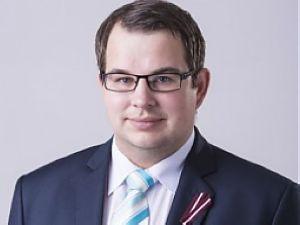 Парламентский секретарь министерства финансов Эдгар Путра.