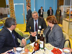 The Minister for Agriculture in Latvia L. Strayuma and the ambassador of Uzbekistan Afzal Artikov