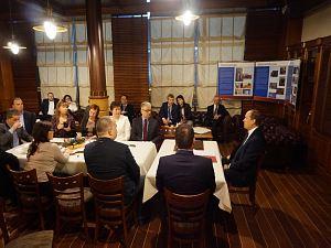 Встреча в Дипломатическом клубе в Риге 18 февраля 2016 г.  Посол России Александр Вешняков