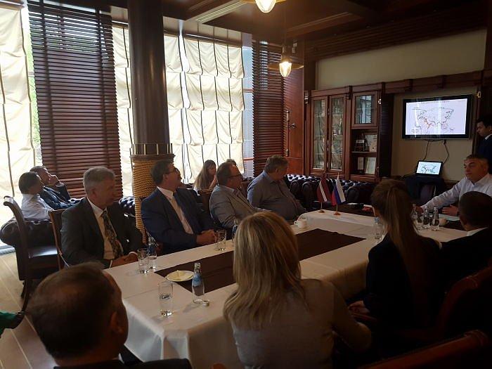 Развитие коммерческого потенциала СМП. Встреча в Дипломатическом клубе в Риге