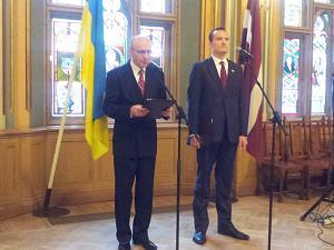 Чрезвычайный иПолномочный Посол Украины вЛатвии Анатолий Олийнык