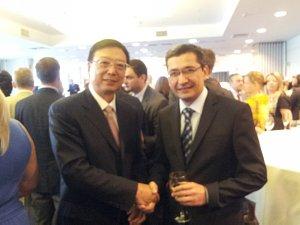 Посол Китайской Народной Республики Yang Guoqiang иПосол Узбекистана Афзал Артиков