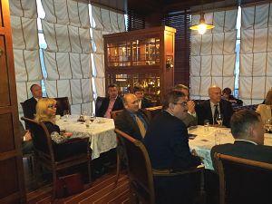 Янг Гуоцянг Посол КНР вЛатвии на встрече вДипломатическом клубе