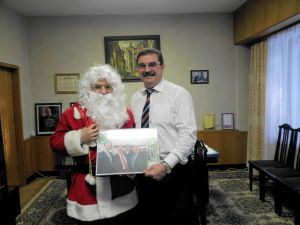 Дед Мороз идиректор санатория Янтарный берг Виктор Данилох