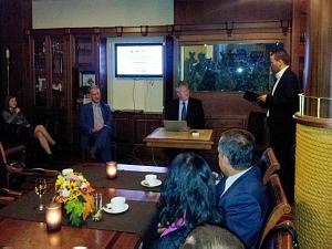 Жан Кристоф Сталенс на встрече вДипломатическом экономическом клубе вРиге