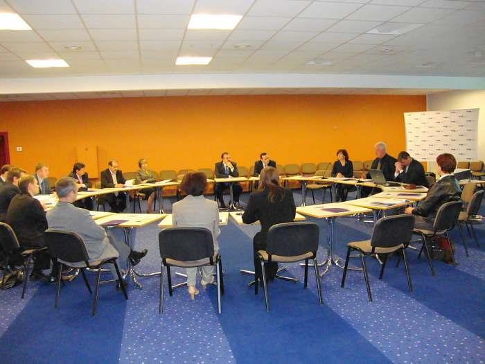 Члены Клуба на встрече за круглым столом. Международный выставочный центр вРиге