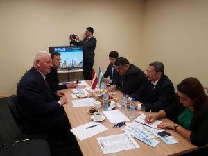 Встреча делегации Узбекистана вМеждународном выставочном центре вРиге